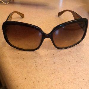 Coach Accessories - Sleek Coach Sunglasses